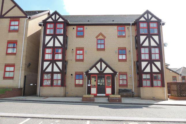 Thumbnail Flat to rent in Adrian Court, Alexandra Road, Lowestoft