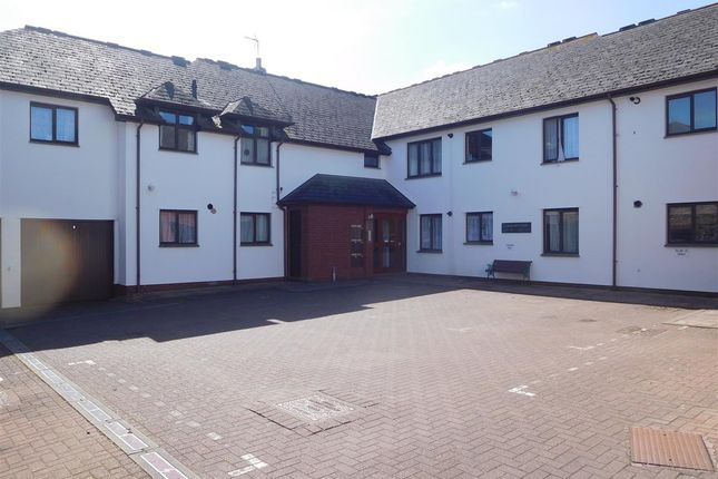 Thumbnail Flat for sale in Flat 7, St Margarets Court, Topsham