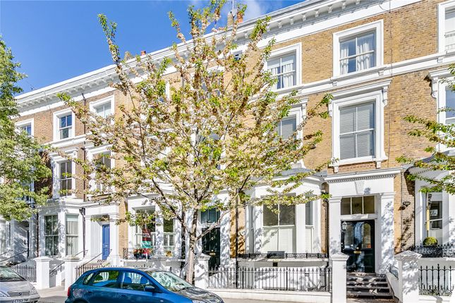 2 bed flat to rent in Upper Addison Gardens, Holland Park, London