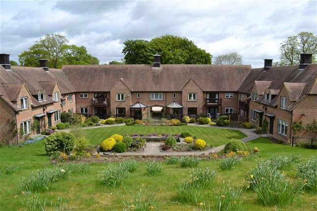 2 bedroom flat for sale in Hildesley Court, East Ilsley, Newbury, Berkshire