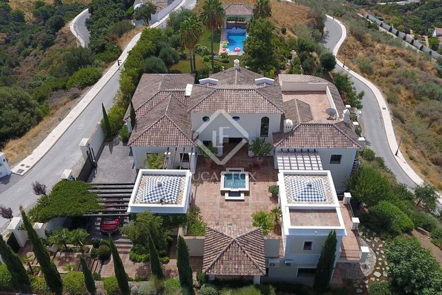 Villa for sale in Spain, Costa Del Sol, Marbella, Benahavís, Mrb17971