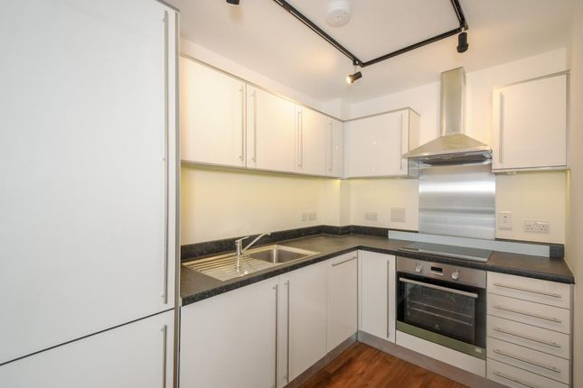 Kitchen of Kelvin Road, Newbury RG14