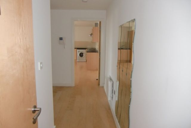 Thumbnail Flat for sale in Burleys Way, Leicester