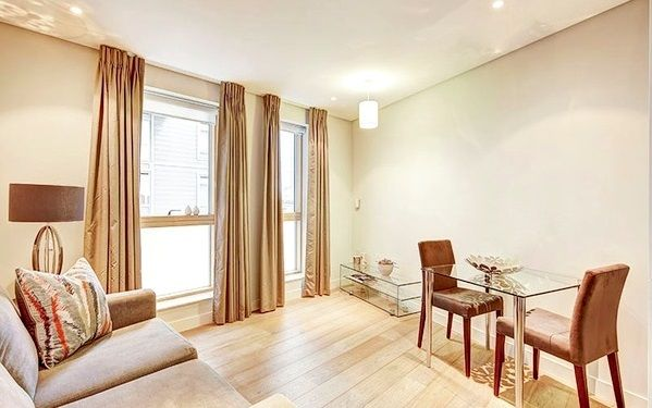 1 bed flat to rent in Harbet Road, London