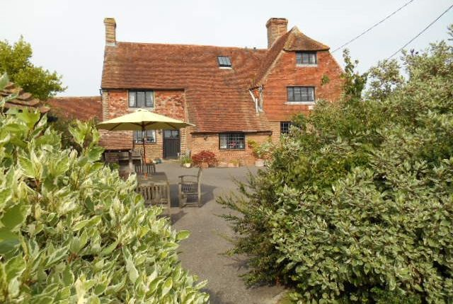 Thumbnail Detached house for sale in Straight Lane, Battle