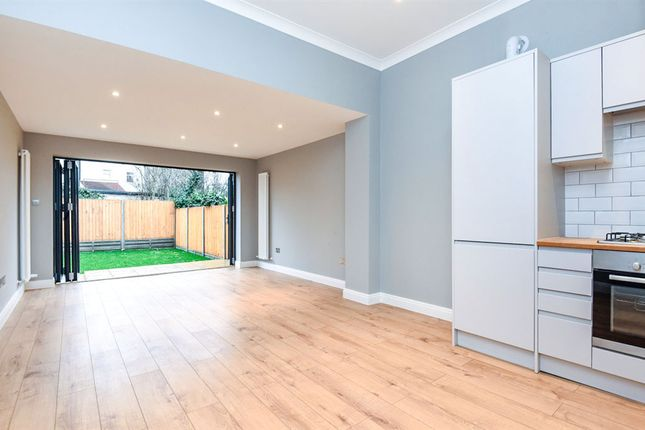 Thumbnail Flat for sale in Park Lane, Wallington