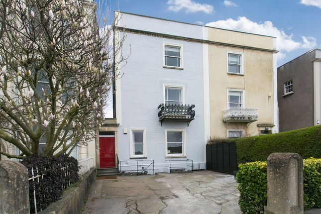 Thumbnail Terraced house to rent in Upper Belgrave Road, Bristol