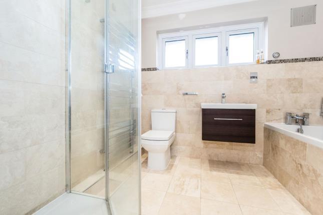 Bathroom of Beadles Parade, Rainham Road South, Dagenham RM10