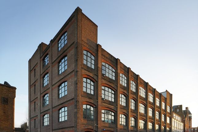 Thumbnail Office to let in Laszlo, 4 Elthorne Road, Archway, London