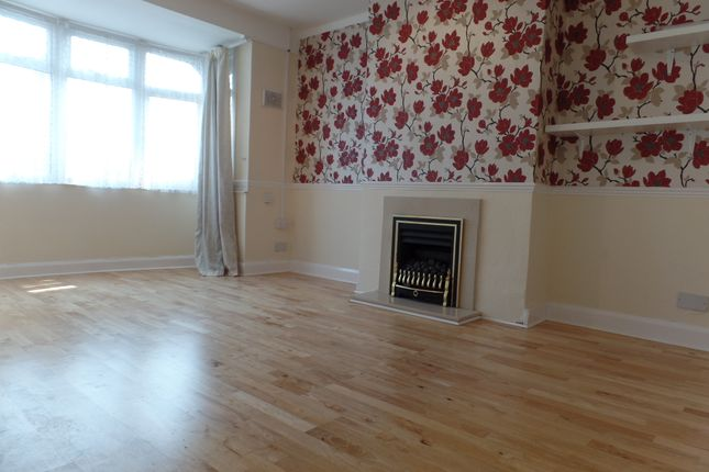 Thumbnail Maisonette to rent in Nield Road, Hayes