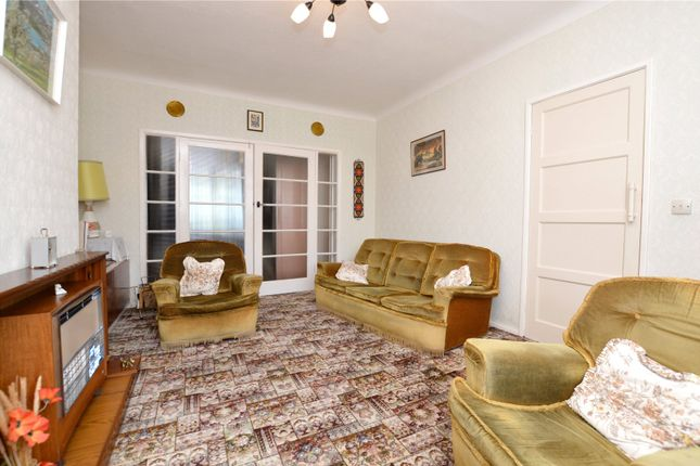 Picture No. 14 of Crawshaw Rise, Pudsey, West Yorkshire LS28