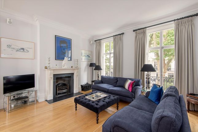 5 bed terraced house for sale in Wellington Square, Chelsea, London SW3