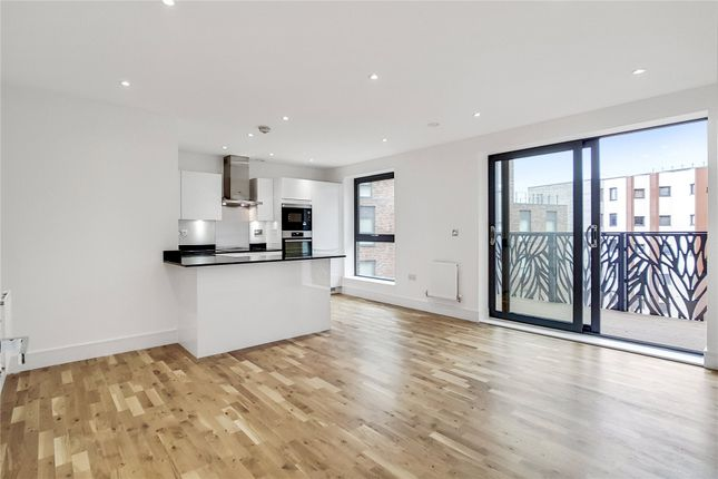 Thumbnail Property for sale in City View Point, 139 Leven Road, London