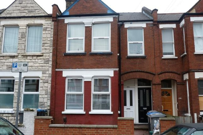 Thumbnail Flat to rent in Chapter Road, Willesden, London