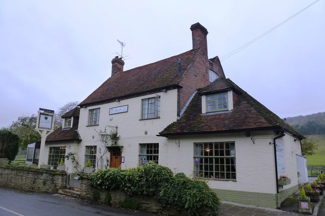 Thumbnail Pub/bar for sale in Skirmett, Henley On Thames
