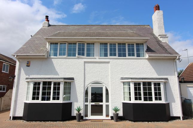Thumbnail Detached house for sale in Nightingale Road, Lowestoft