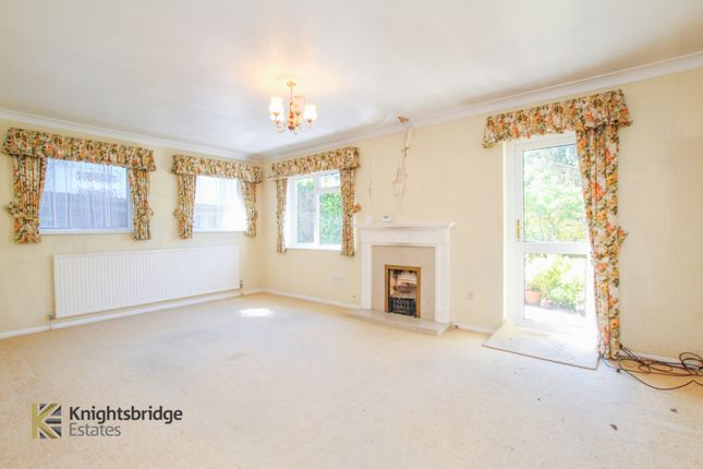 Lounge of Kilworth Road, Shenfield CM15