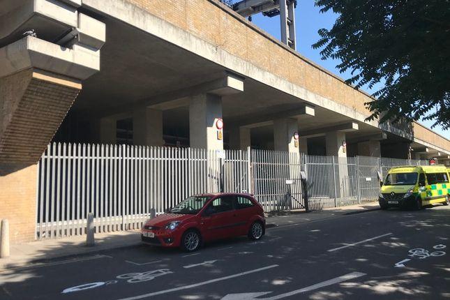 Thumbnail Industrial to let in Penhurst Place, Carlisle Lane, London