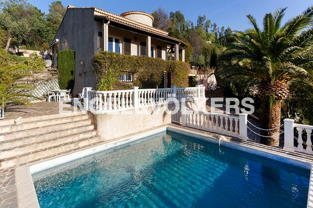 5 bed property for sale in Les Issambres, 83380 Roquebrune-Sur-Argens, France
