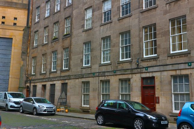 Thumbnail 3 bed flat to rent in Brighton Street, Central, Edinburgh