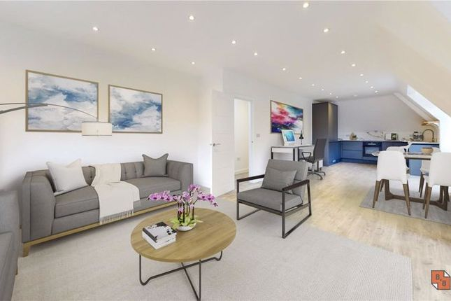Thumbnail Flat for sale in Godstone Road, Whyteleafe