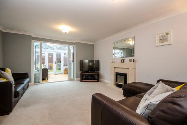 Thumbnail Town house for sale in Eden Road, West End, Southampton