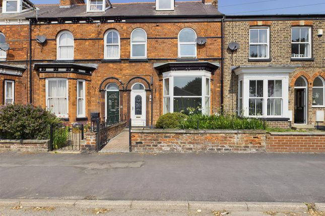 Thumbnail Property for sale in Bridlington Road, Driffield