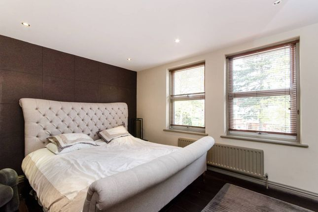 Thumbnail Terraced house to rent in The Drive, Wimbledon, London