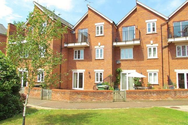 Thumbnail Town house to rent in Caldecott Road, Abingdon-On-Thames