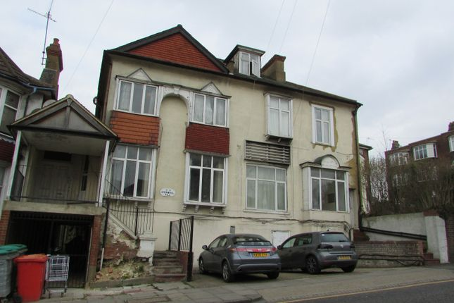 Thumbnail Detached house for sale in Cromwell Hill, Luton