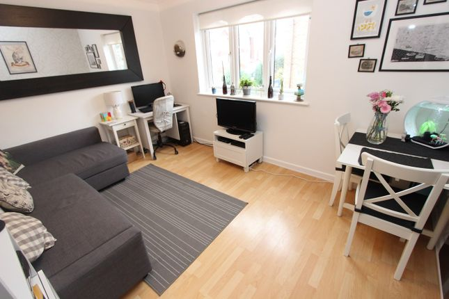Thumbnail Flat for sale in Nightingale Grove, Shirley, Southampton