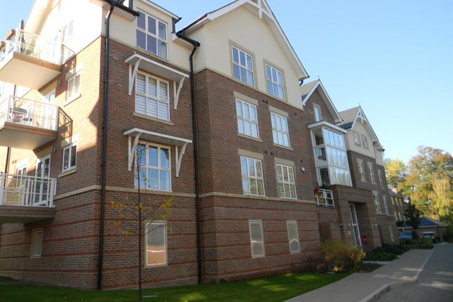 Thumbnail Flat to rent in Townsend Gate, Berkhamsted