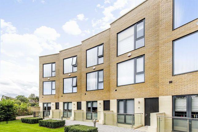 Thumbnail Terraced house to rent in Gunnersbury Mews, London