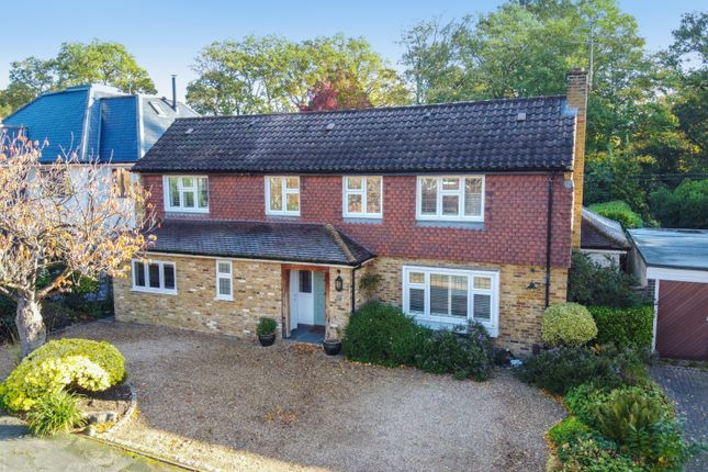 Thumbnail Detached house for sale in Kenwood Drive, Walton-On-Thames