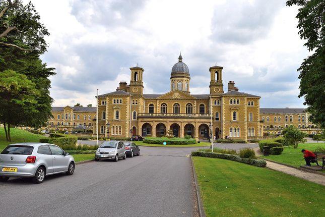 Thumbnail Flat to rent in Princess Park Manor Royal Drive, New Southgate, London
