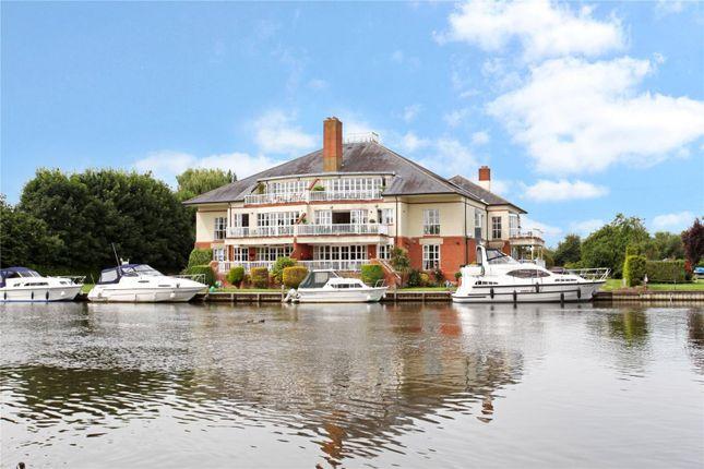 Thumbnail Flat for sale in Dockett Moorings, Mead Lane, Chertsey, Surrey