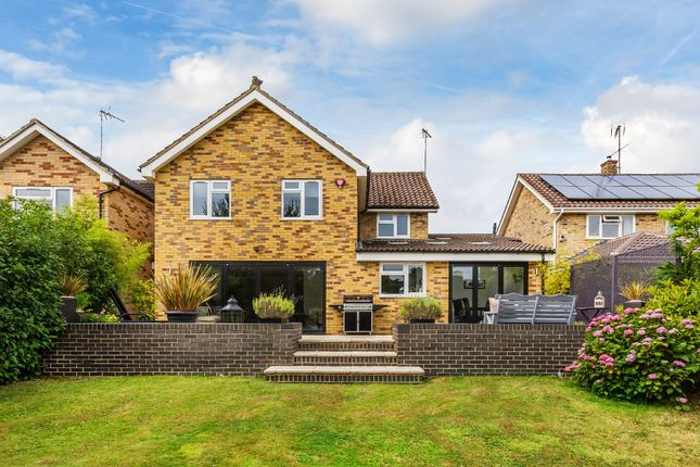 Thumbnail Detached house for sale in Heron Way, Horsham
