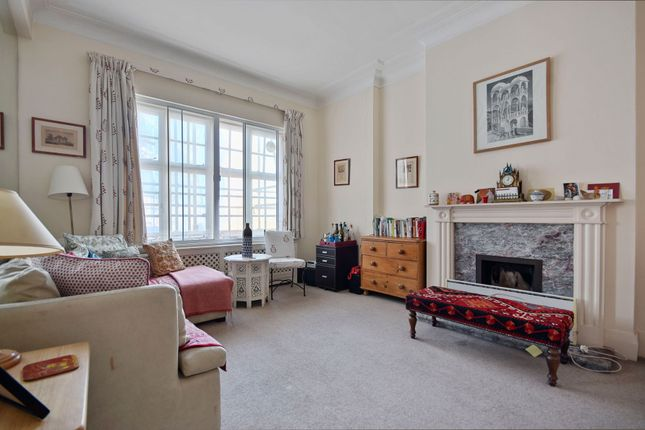 Thumbnail Flat for sale in Devonshire Street, Marylebone Village, London