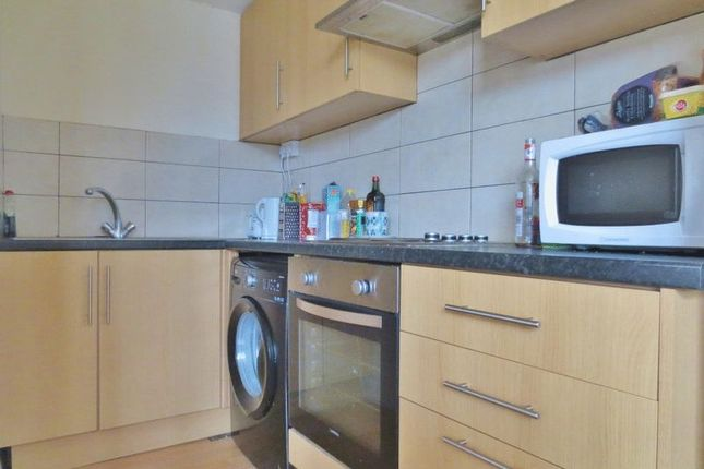 Thumbnail Flat to rent in Kings Parade, Ditchling Road, Brighton