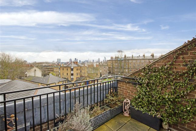 Thumbnail Flat to rent in Chelsea Court, Melville Place, Essex Road, London