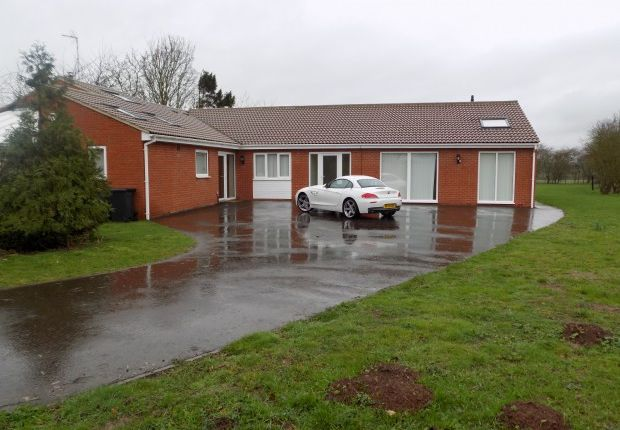 Thumbnail Bungalow for sale in Hoehill House Cotgrave Road, Plumtree, Nottingham