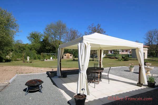 4 bed bungalow for sale in La Tour Blanche, Dordogne, 24320, France