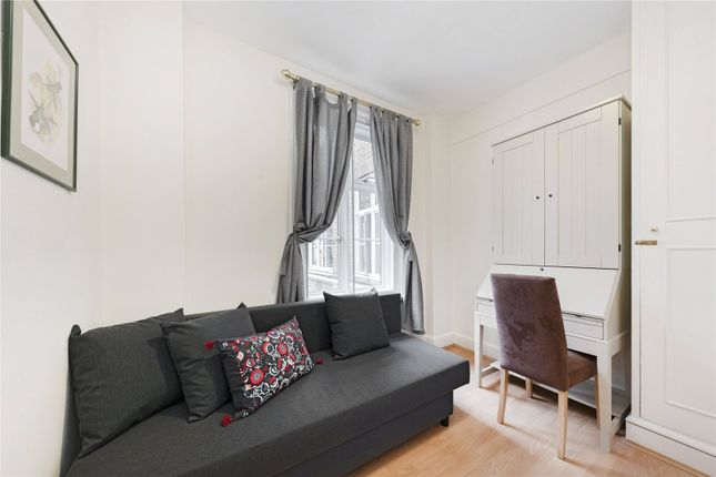 2nd Bedroom of Chesterfield House, Chesterfield Gardens, Mayfair, London W1J
