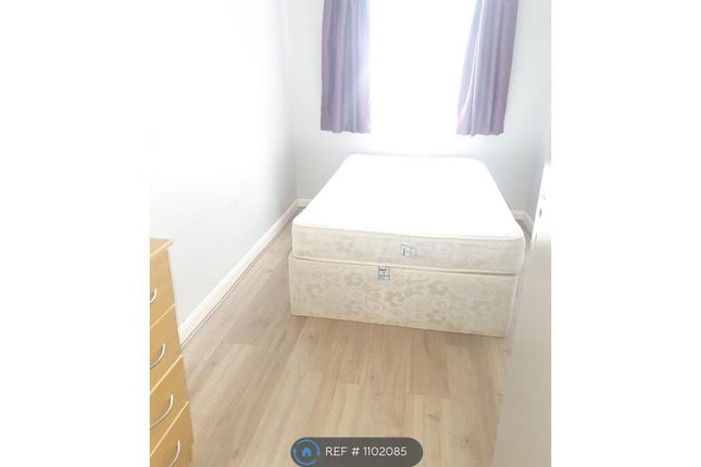 Thumbnail Semi-detached house to rent in Hainault Road, Romford