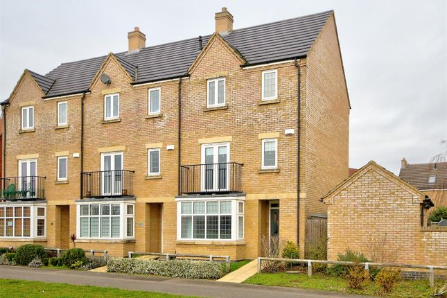 4 bed property to rent in Gateway Gardens, Ely CB6