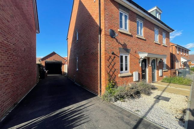 3 bed semi-detached house to rent in Errington Road, Andover, Hampshire SP11
