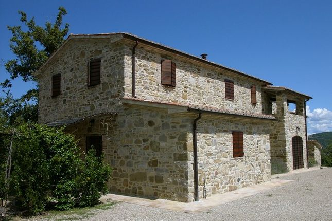 4 bed farmhouse for sale in Strada Statale Del Niccone, 06019 Umbertide Pg, Italy