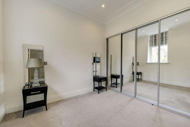 Bedroom-247 of Havanna Drive, London NW11