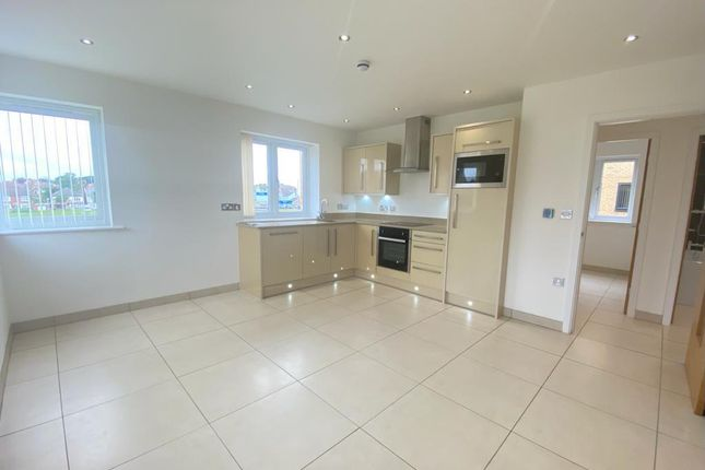 Thumbnail Flat to rent in Broadway House, Broadway, Hornsea