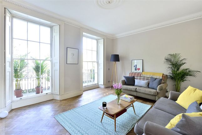 3 bed maisonette for sale in Pentonville Road, London